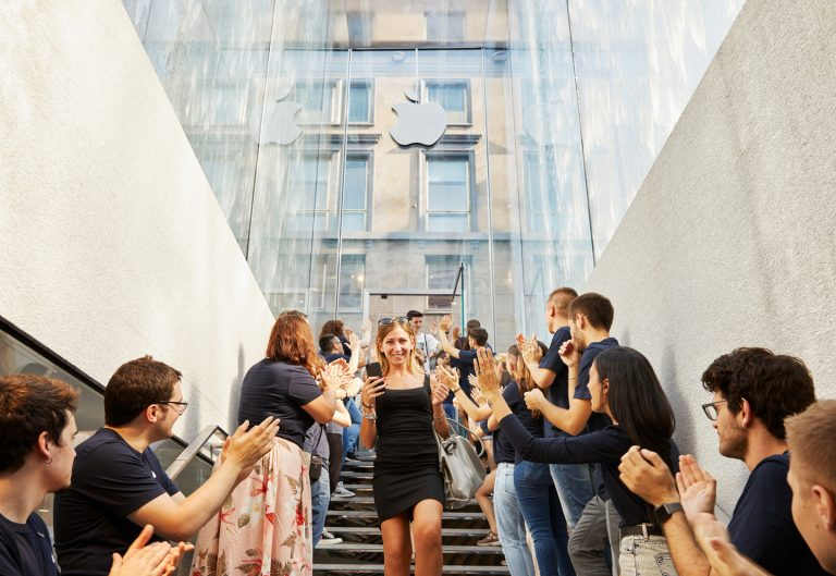 Apple opens first Store in Milan with new design