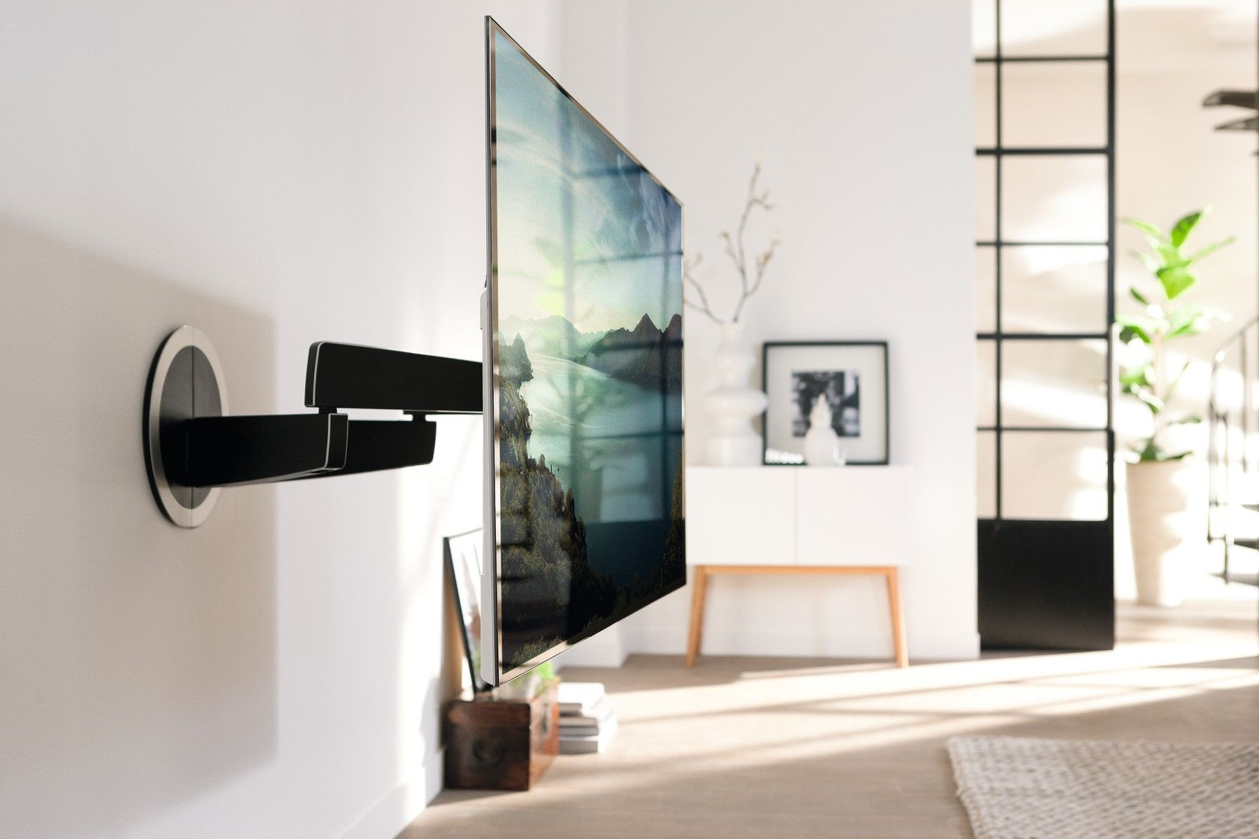 Vogel S Well Known For Its High Quality Tv Wall Mounts Has Now Introduced A Remote Controlled Via Motorised Mount Televisions With Screen