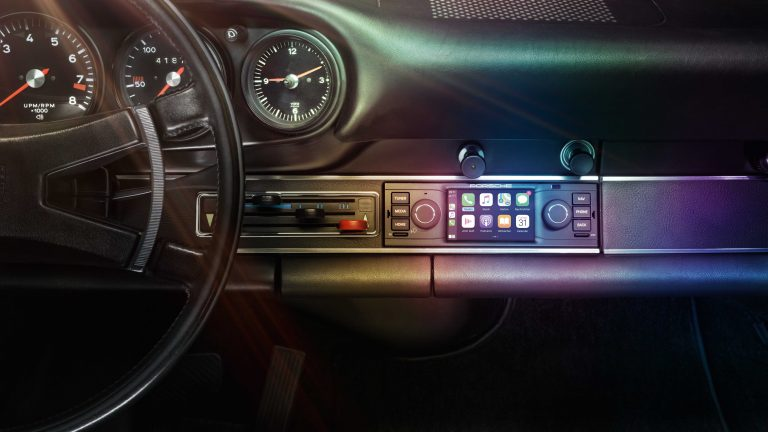 PCCM: CarPlay for your Classic Porsche