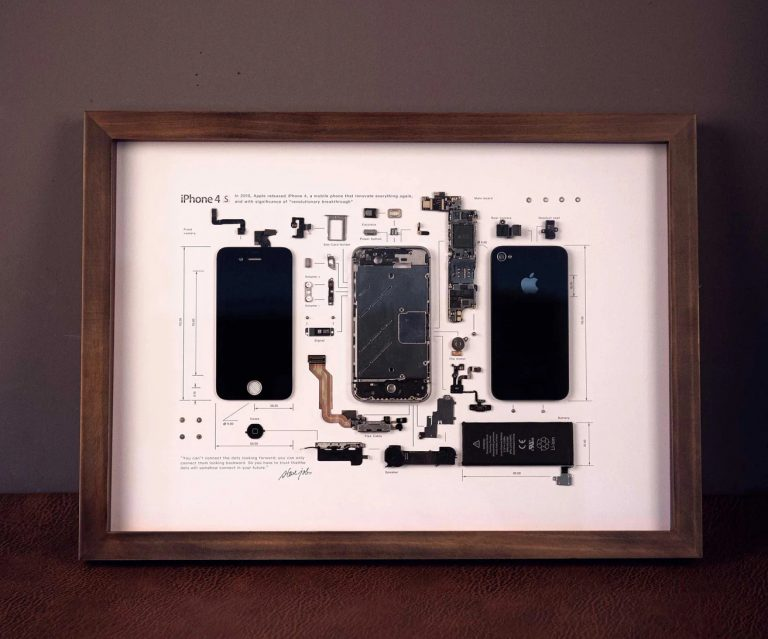 iPhone 4S exploded view as a work of art
